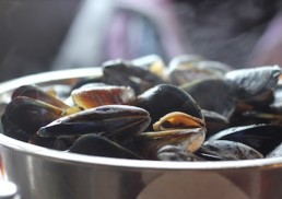 seafood-boiled-mussels
